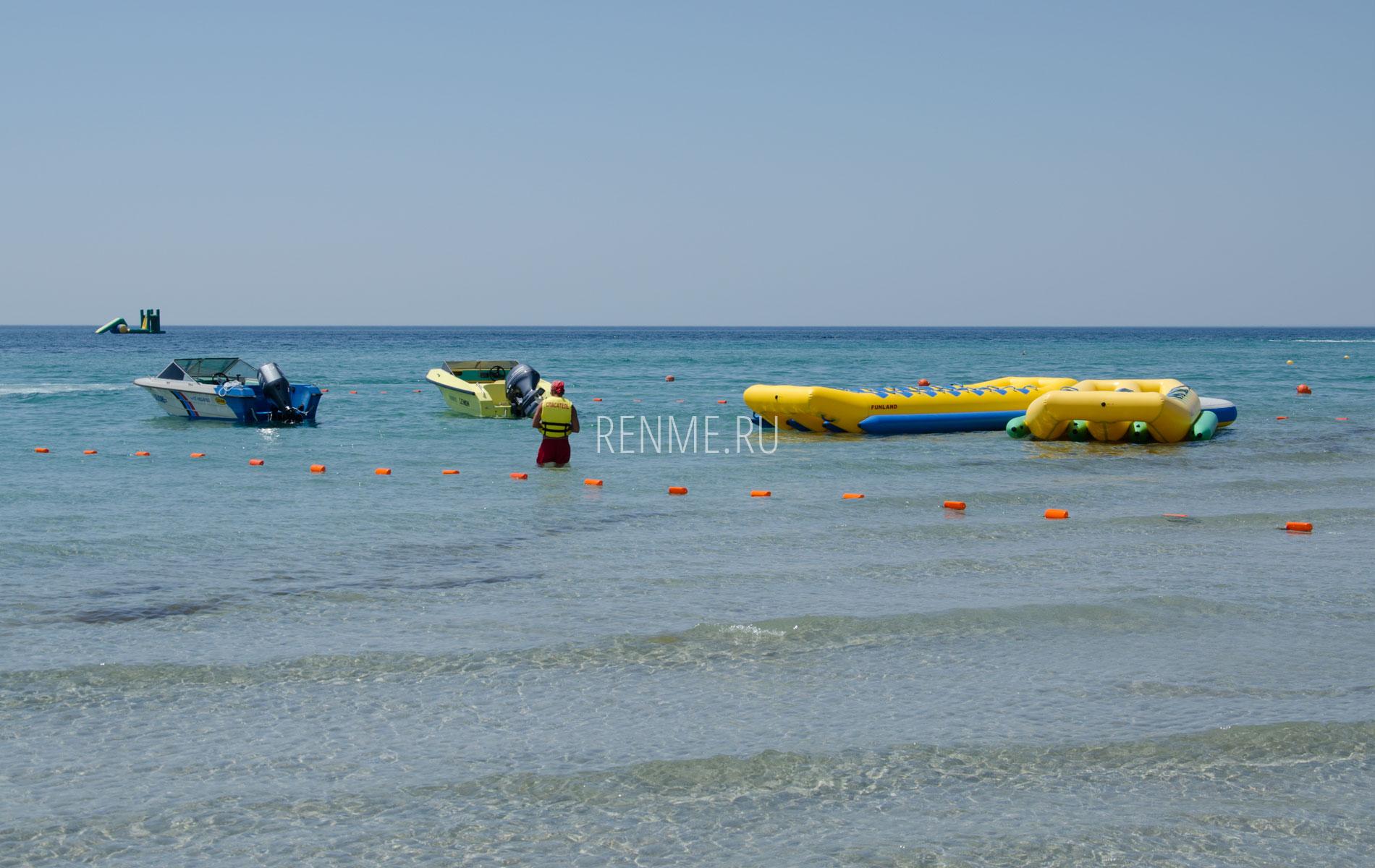 Веселые водные развлечения. Фото Штормового