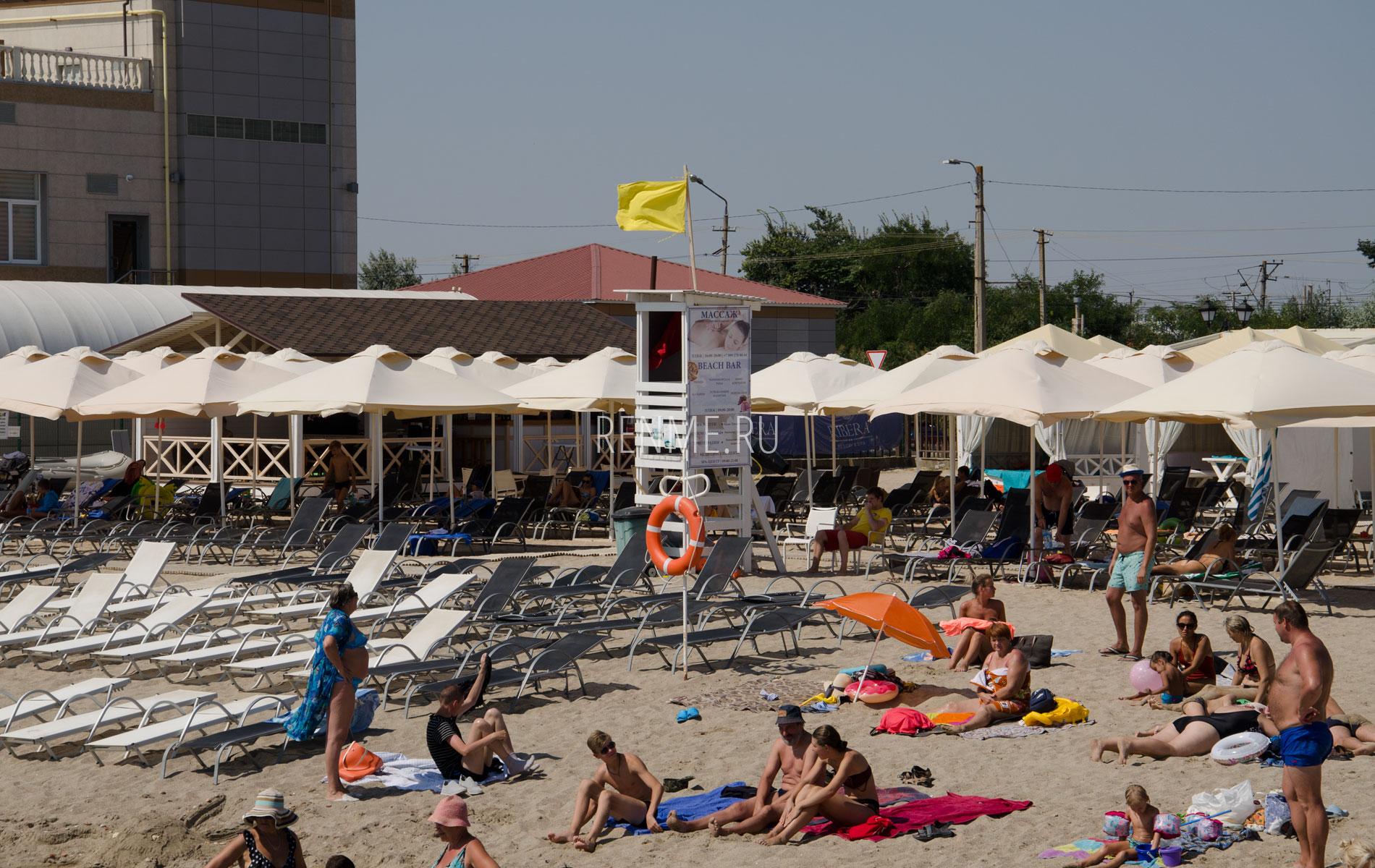 Морской песчаный пляж. Фото Евпатории