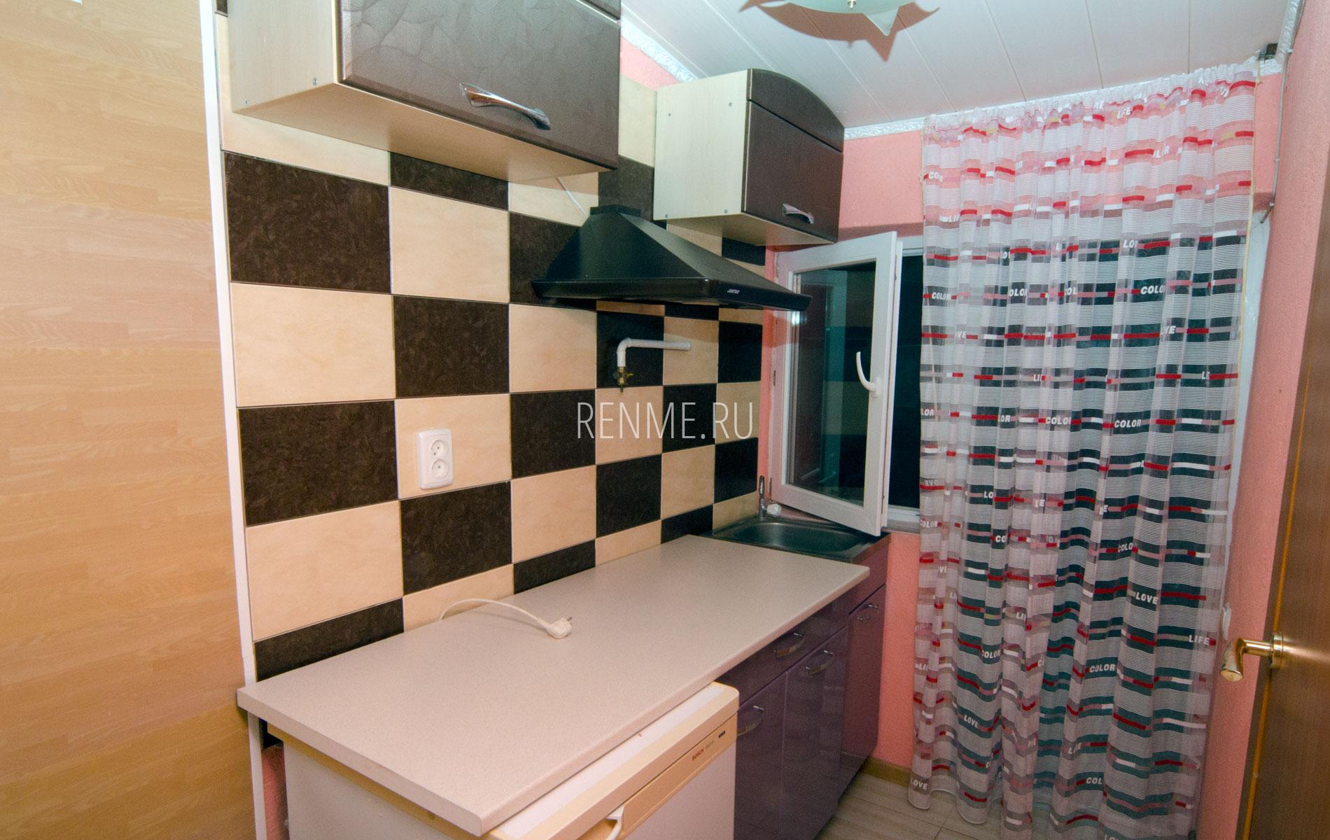 """Кухня. Квартира 5. Апарт-отель """"Берюзовый Бриз"""". Заозёрное"""