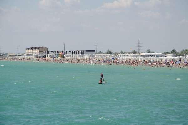 Пляж справа от пирса. Пляжи Новофедоровки
