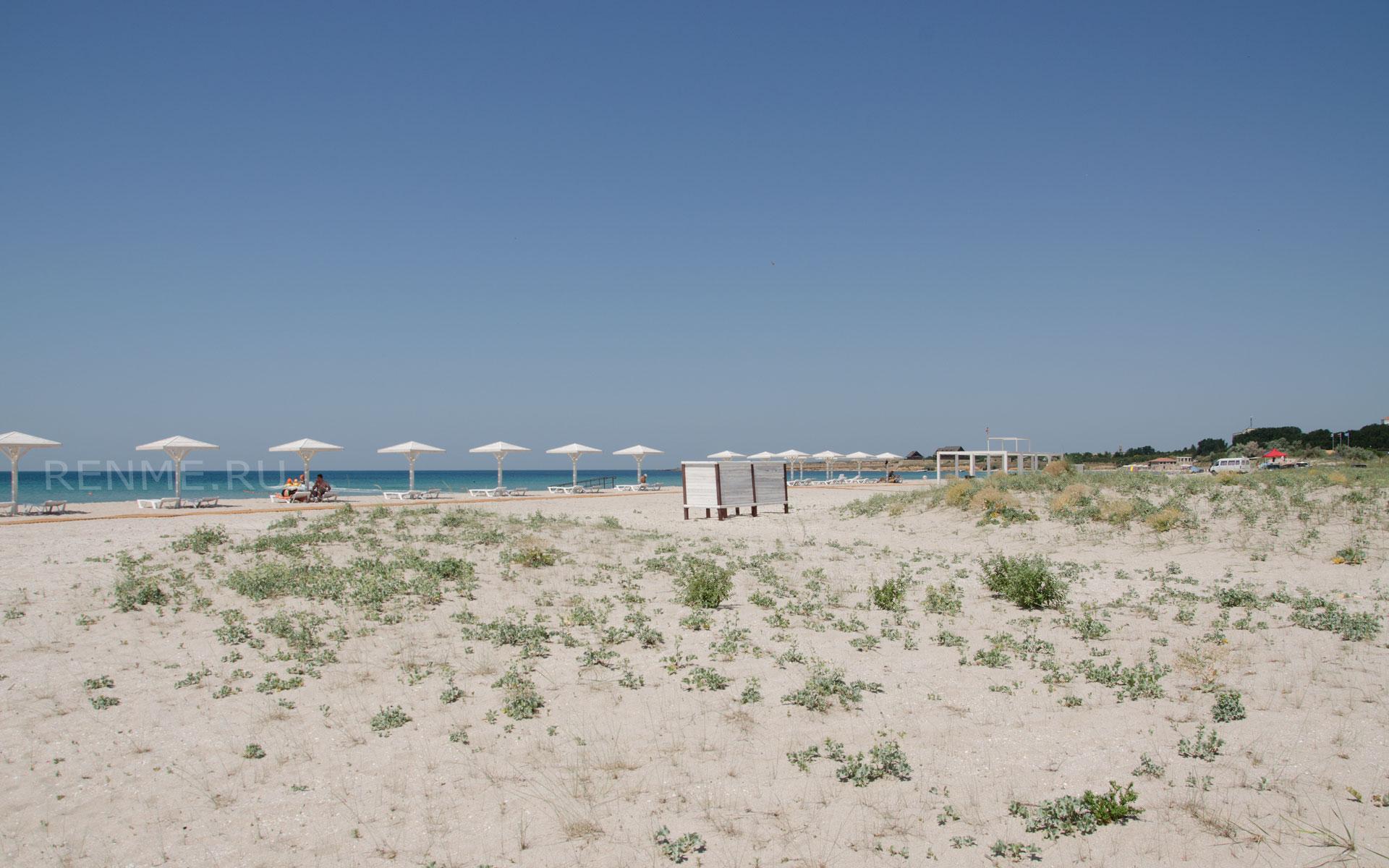 Оборудованный песчаный пляж на Терханкуте. Фото Оленевки