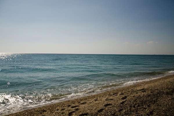 Апрельское Черное море в Евпатории. Фото Евпатории