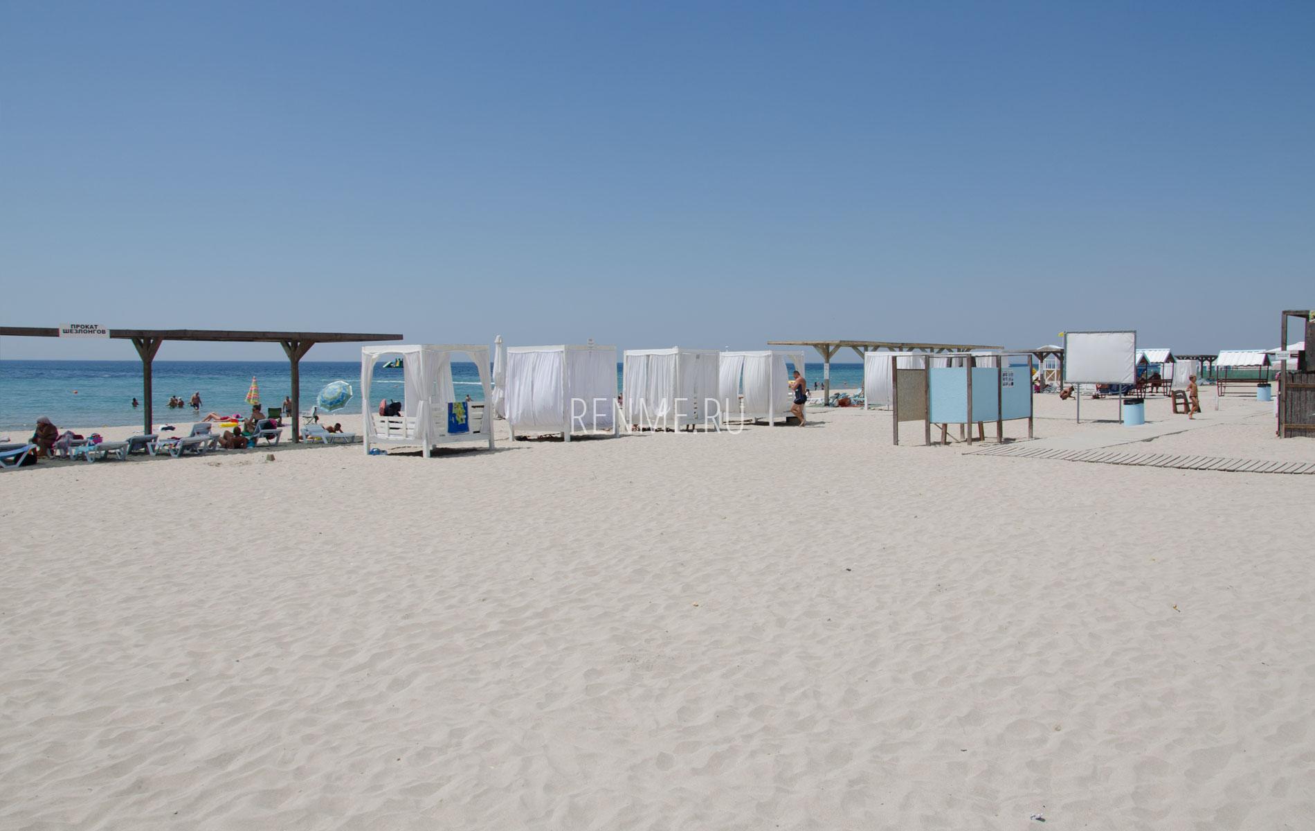 Бесплатный пляж в Крыму. Фото Штормового