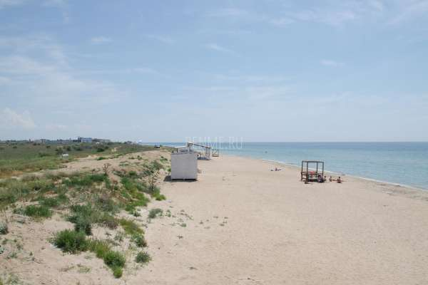 Песчаные пляжи с теплой водой. Фото Заозёрного