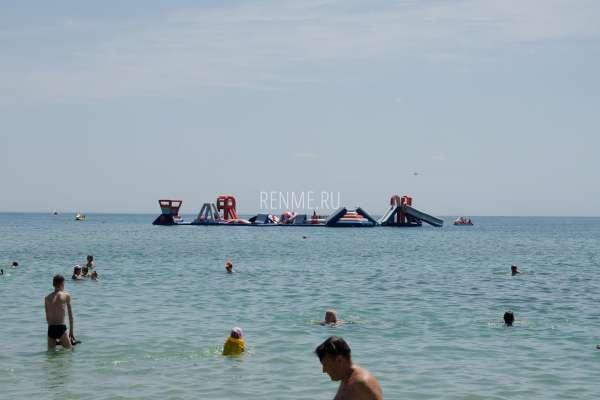 Детские развлечения на море в Крыму. Фото Заозёрного