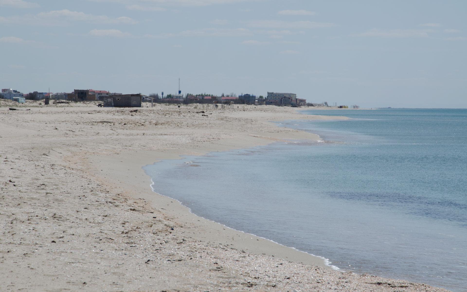 Пляж. Мирный. Апрель 2019. Фото Мирного