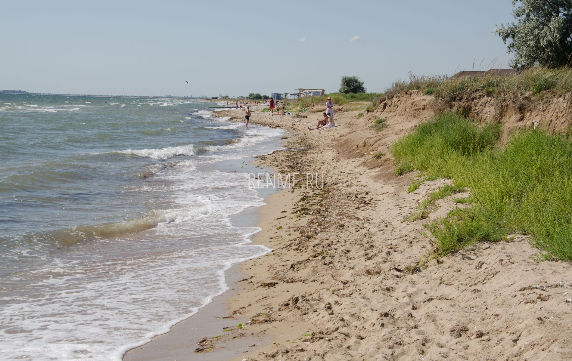 Дикий пляж в Заозерном, Евпатория. Фото Заозёрного