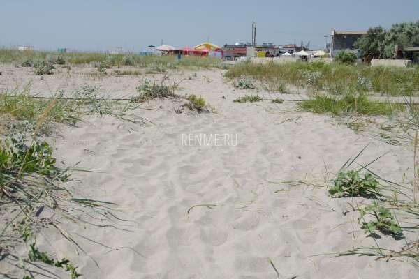 Пляжный песок. Фото Штормового