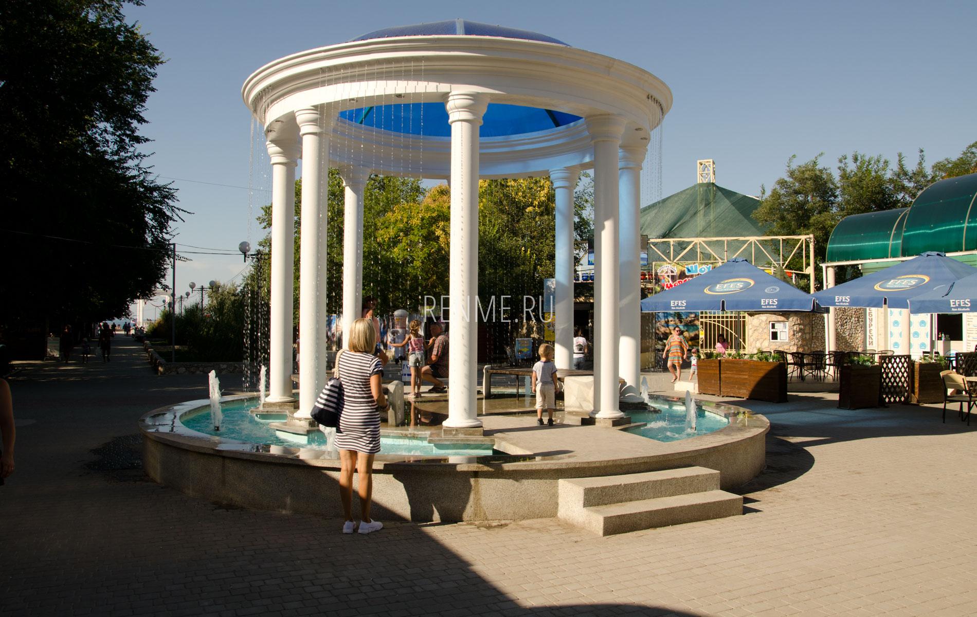 Фонтан. Фото Черноморского