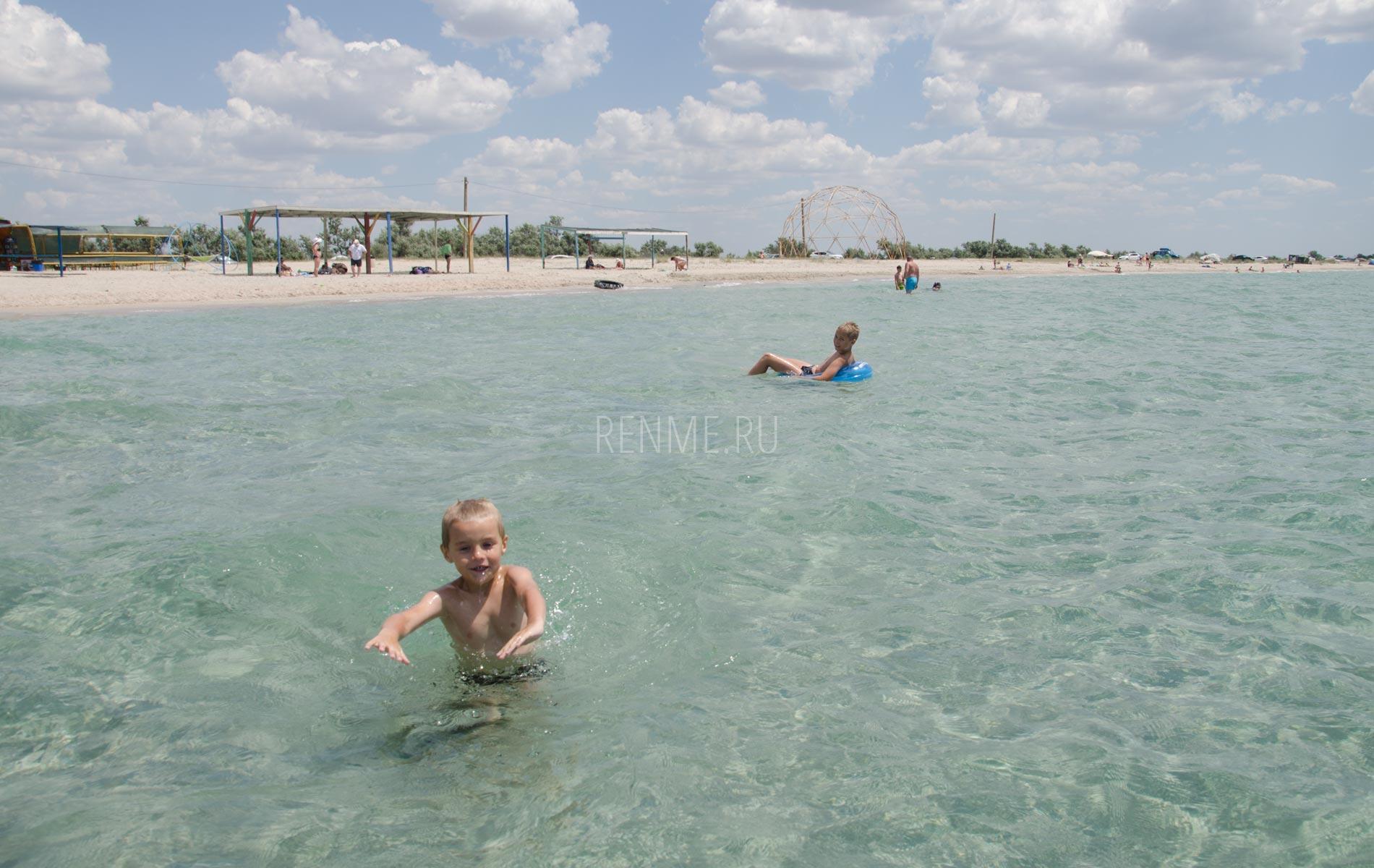 Где на море с ребенком?. Фото Штормового