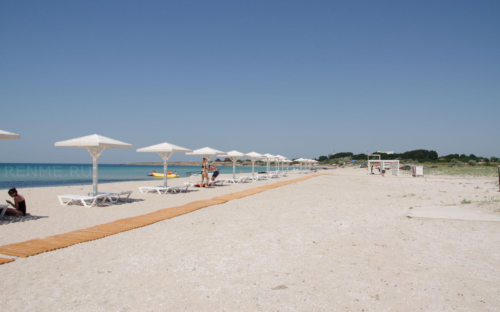 Лучший пляж с белым песком. Фото Оленевки