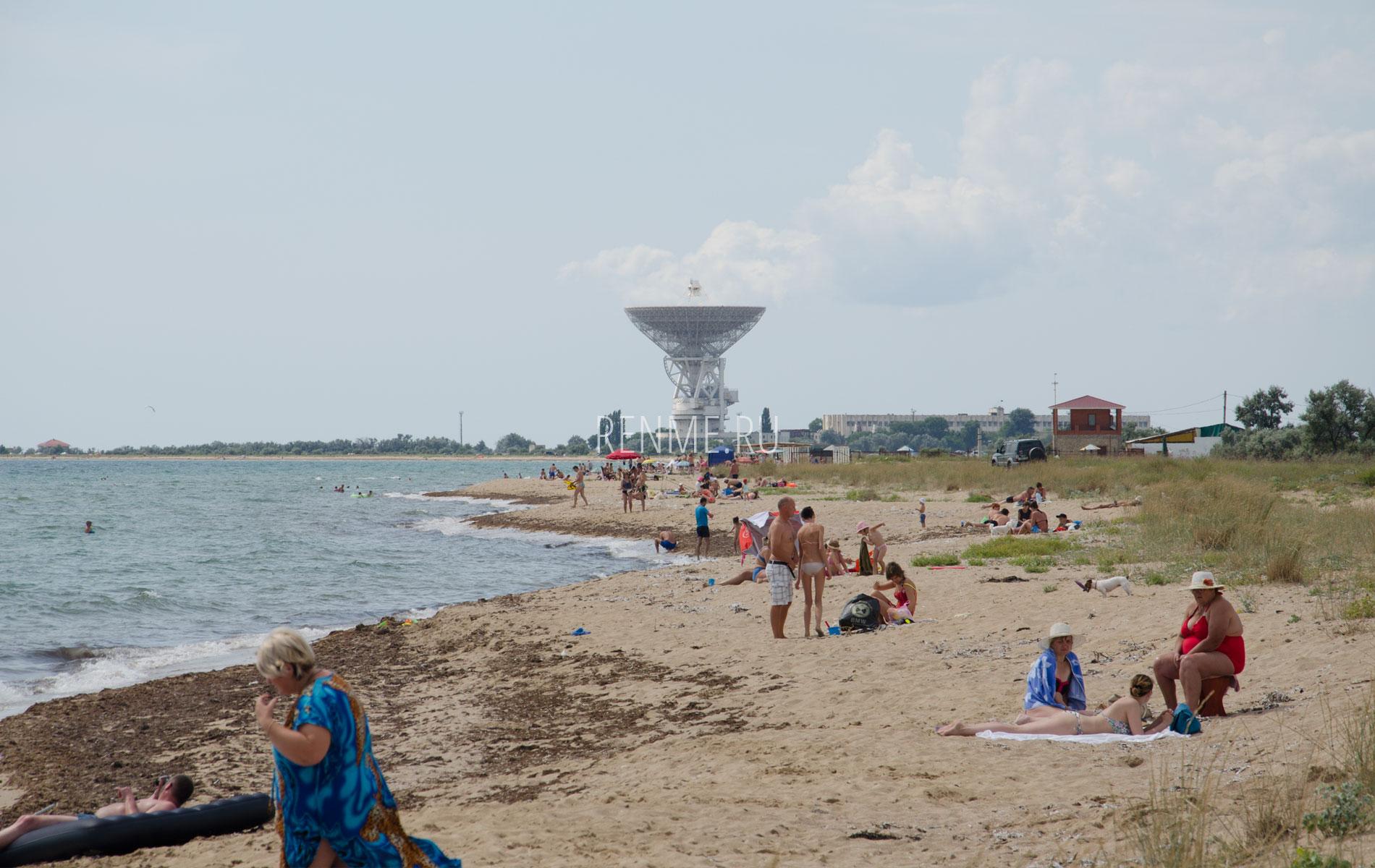 Cемейный дикий пляж. Фото Заозёрного