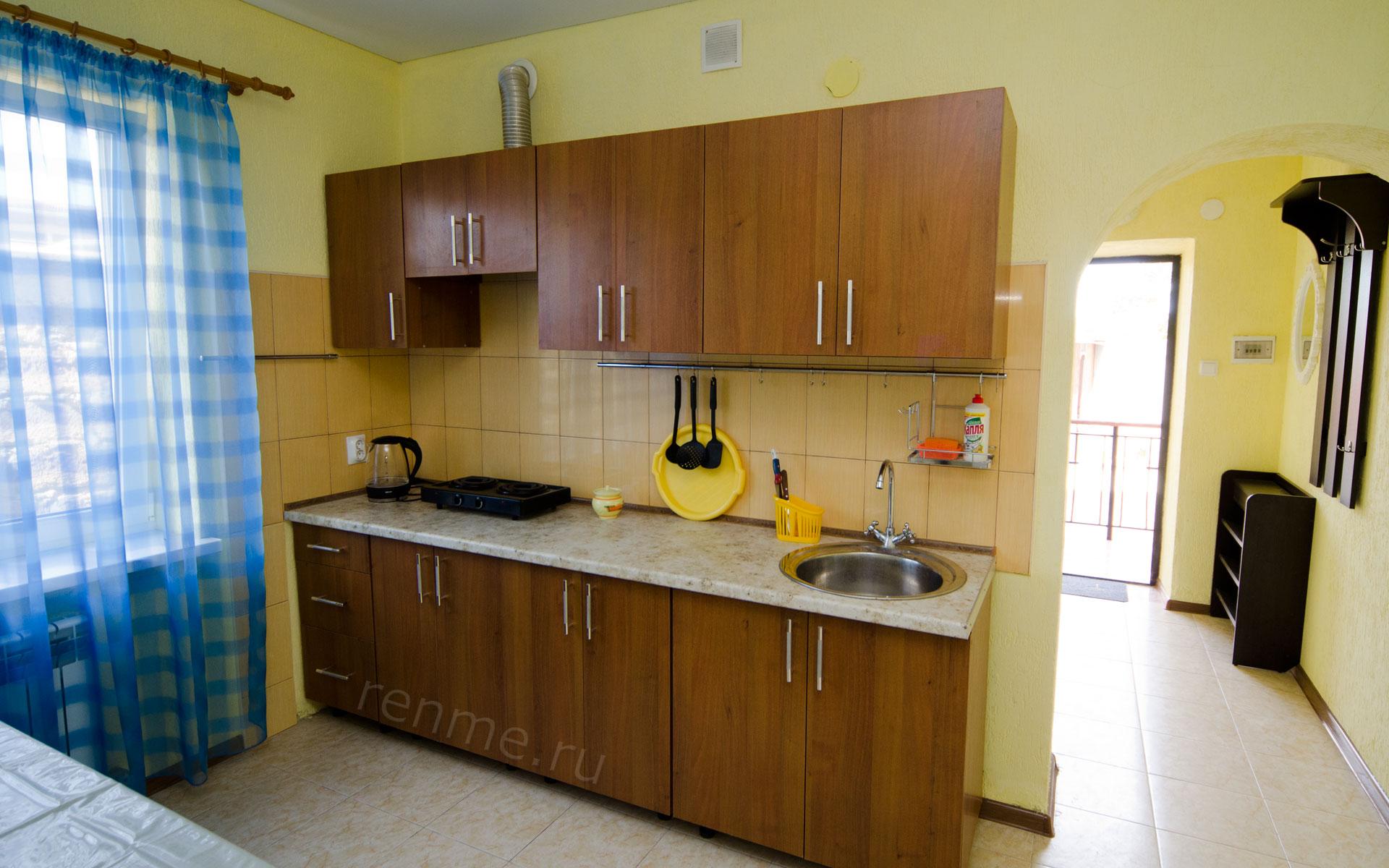 Кухня. Однокомнатная квартира. Апарт-отель на ул. Гайдара. Заозёрное