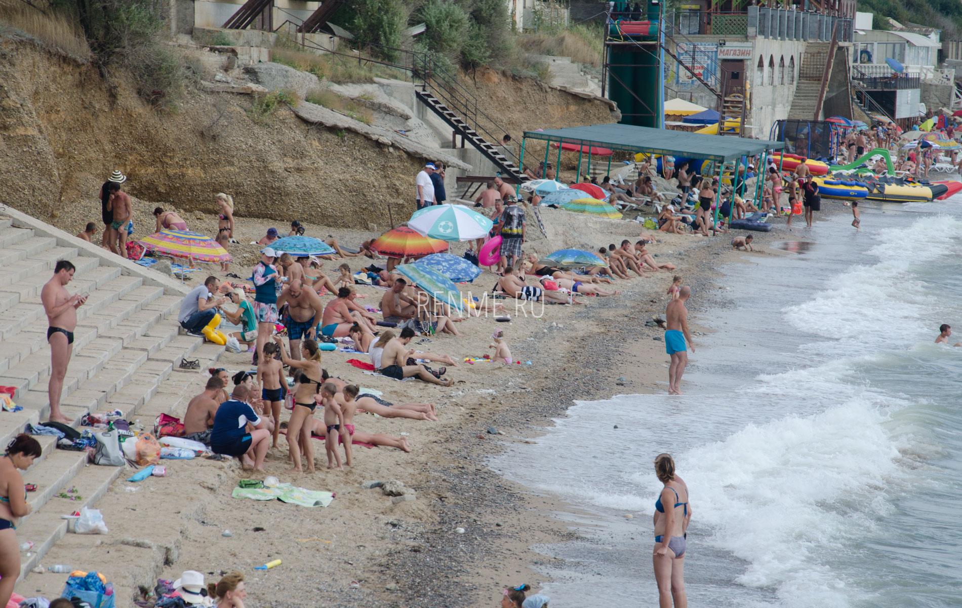 Поселковый пляж летом. Фото Николаевки