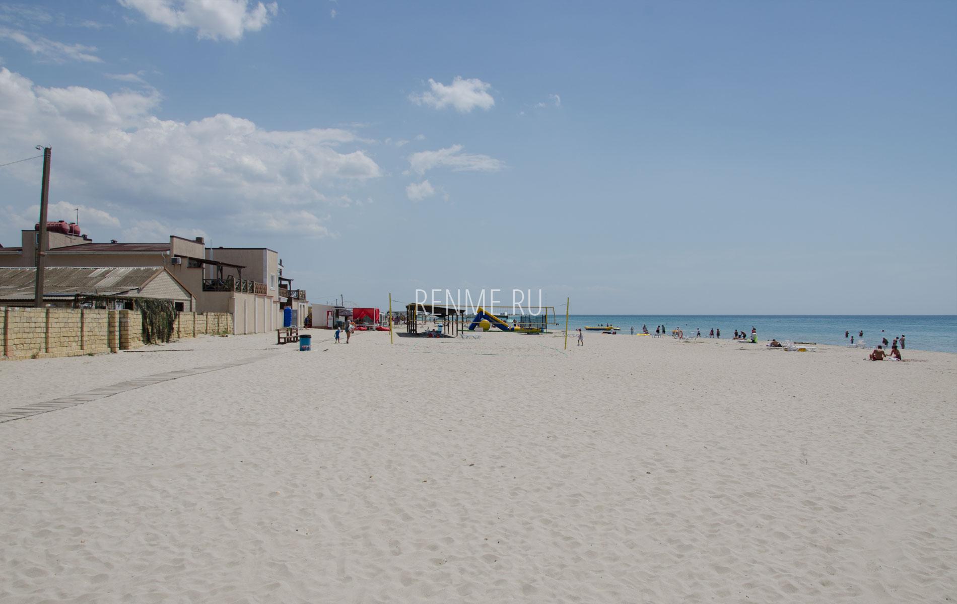 Место для пляжного волейбола в Штормовом. Фото Штормового