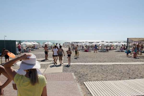 Бесплатный галечный пляж Новофедоровки. Фото Новофедоровки