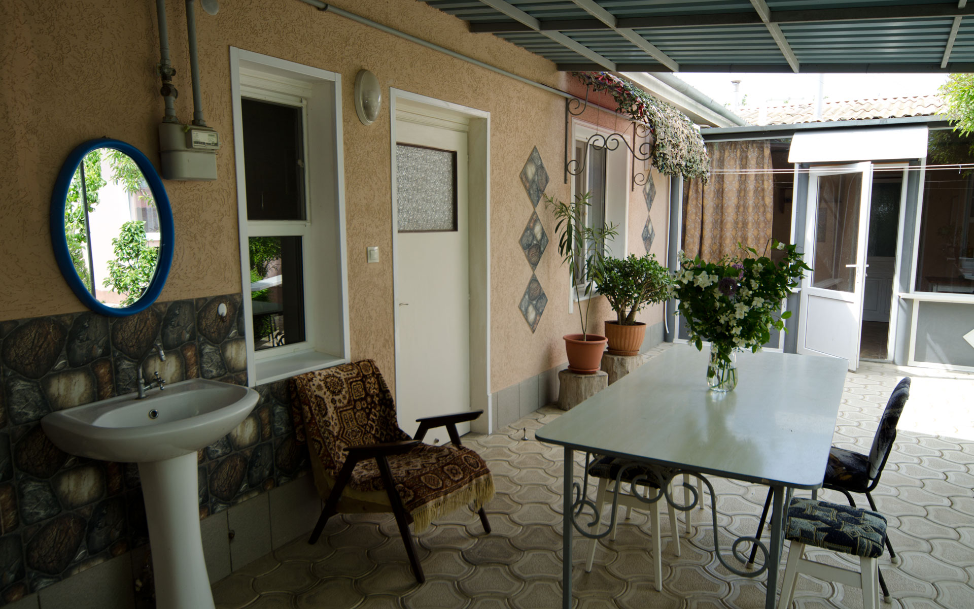 Беседка 1 номера. Квартира 1. 2 квартиры на ул. Гайдара. Заозёрное