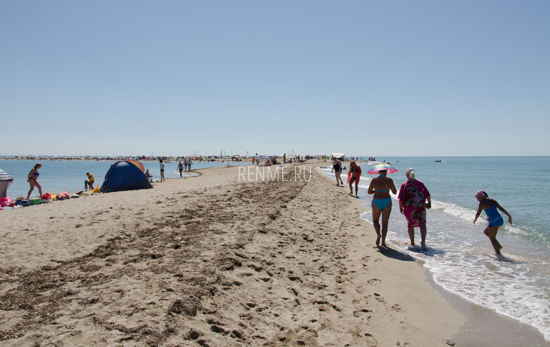 Песчаный пляж на косе. Фото Стерегущего