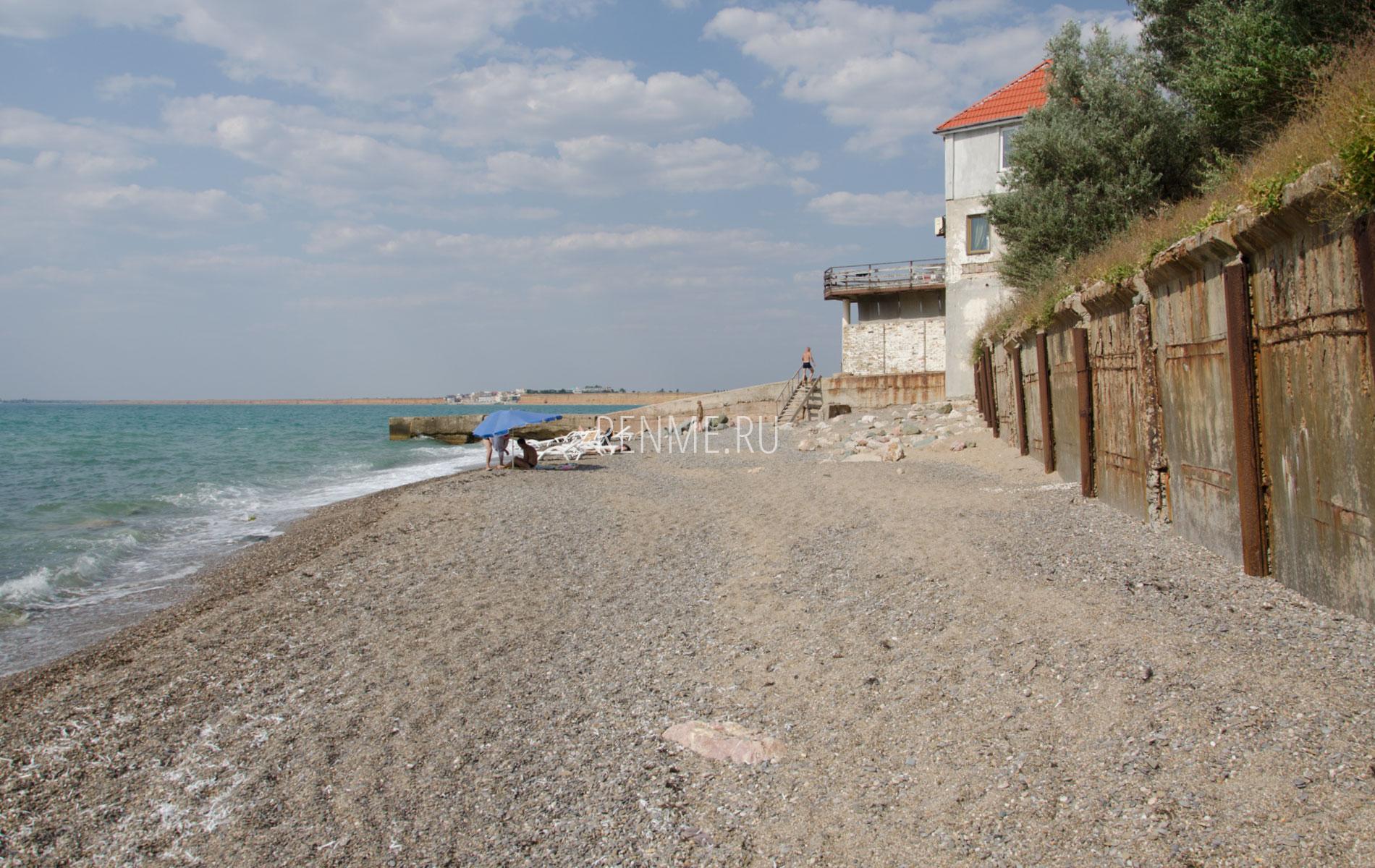 Галечный пляж Николаевки. Фото Николаевки
