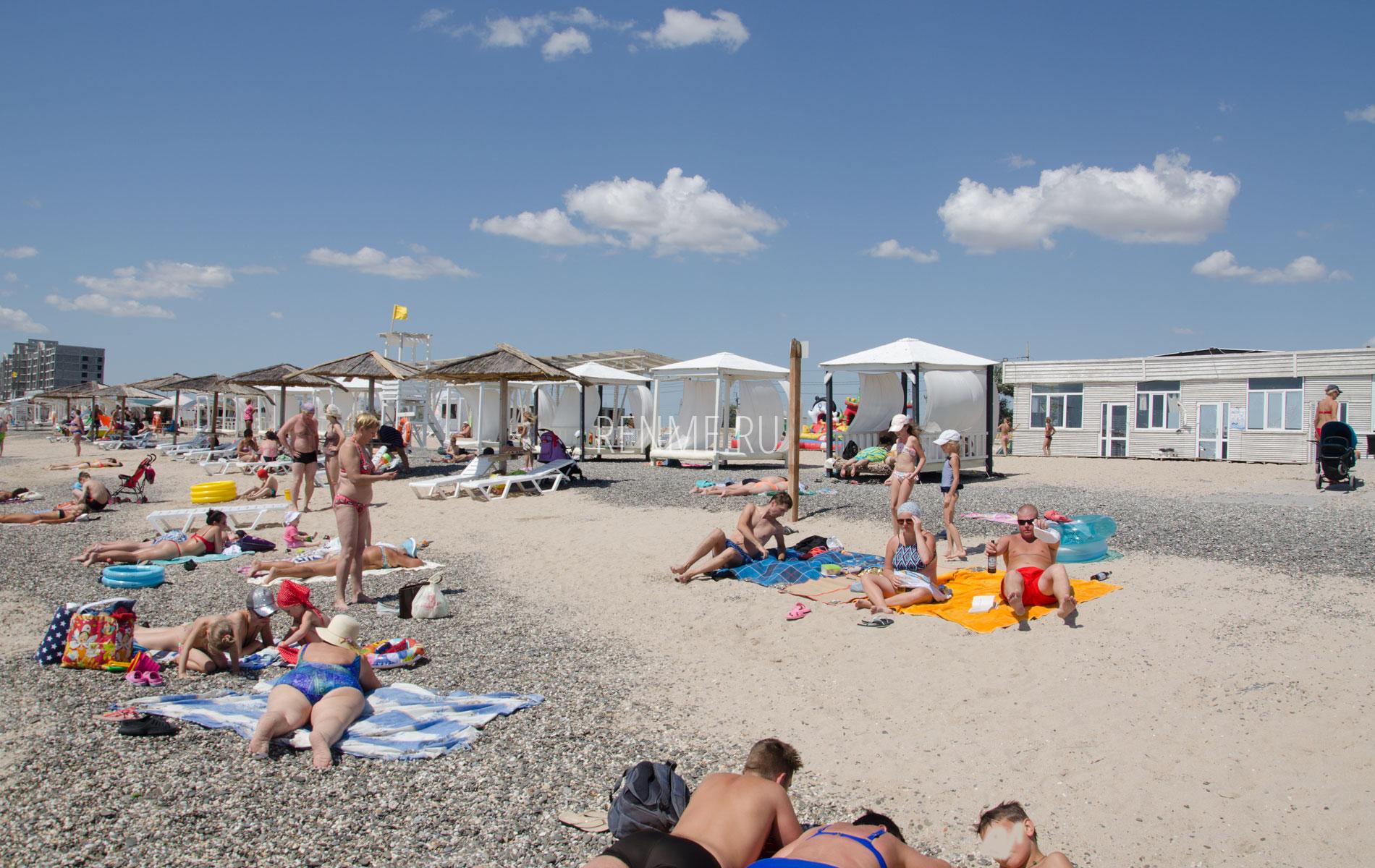 Евпаторийский пляж на Симферопольской. Фото Евпатории