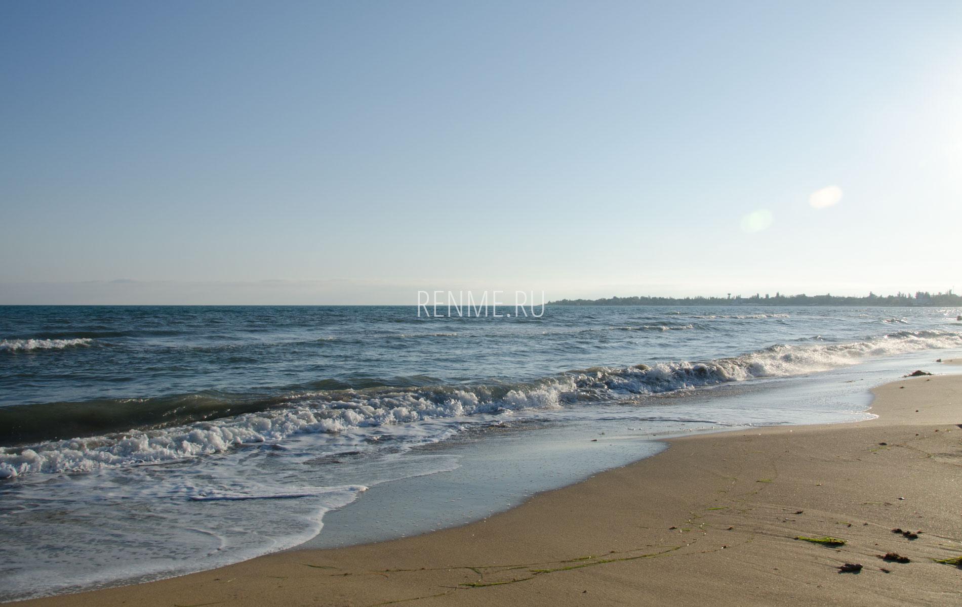Осеннее море Евпатории в октябре 2019. Фото Евпатории