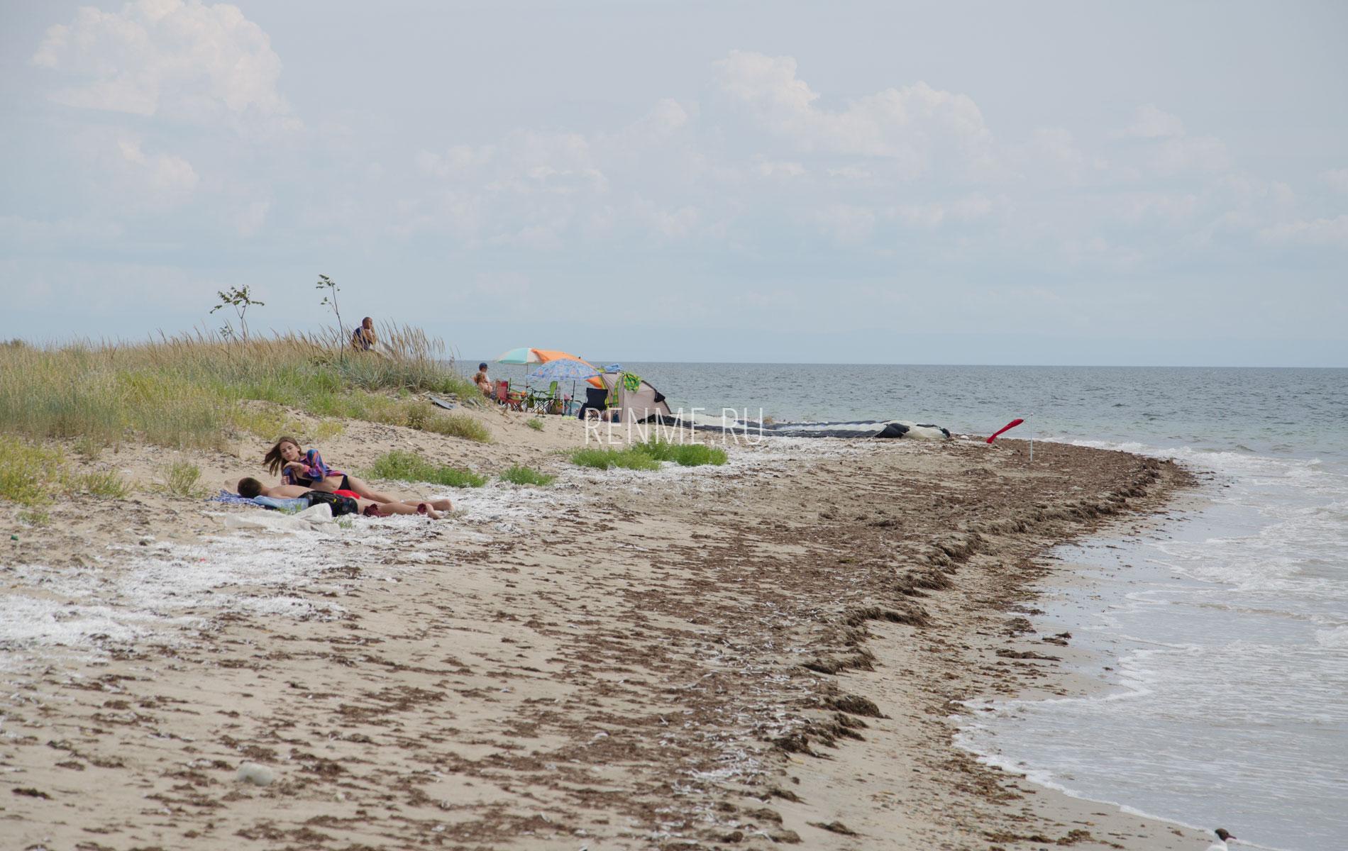 Дивно дикий пляж. Фото Молочного