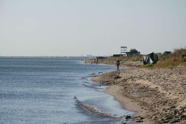 Дикий пляж под Евпаторией. Фото Заозёрного