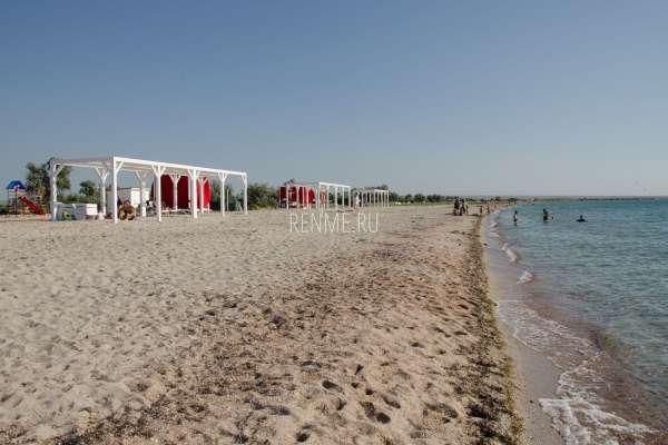 Пляж в Крыму. Фото Межводного