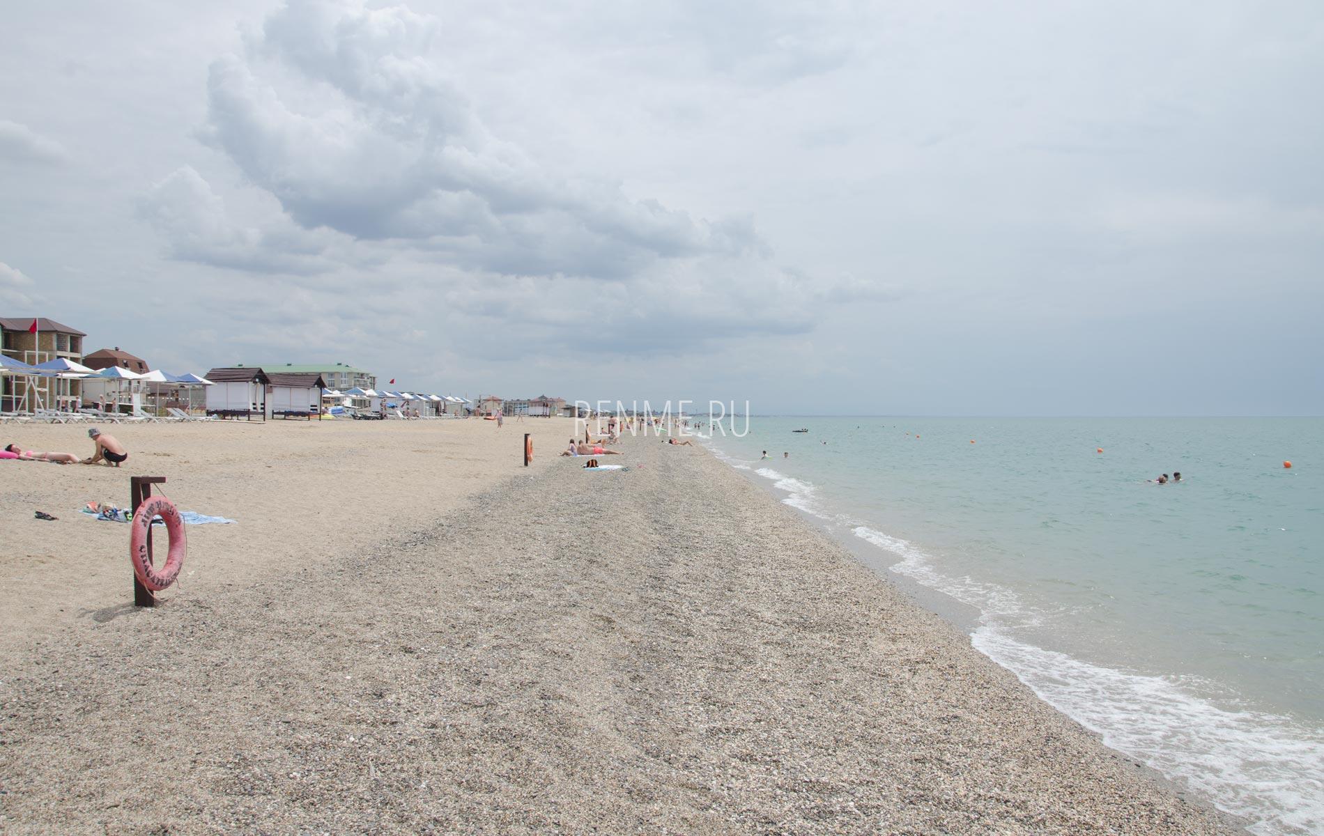 Там где чистые пляжи Крыма. Фото Прибрежного