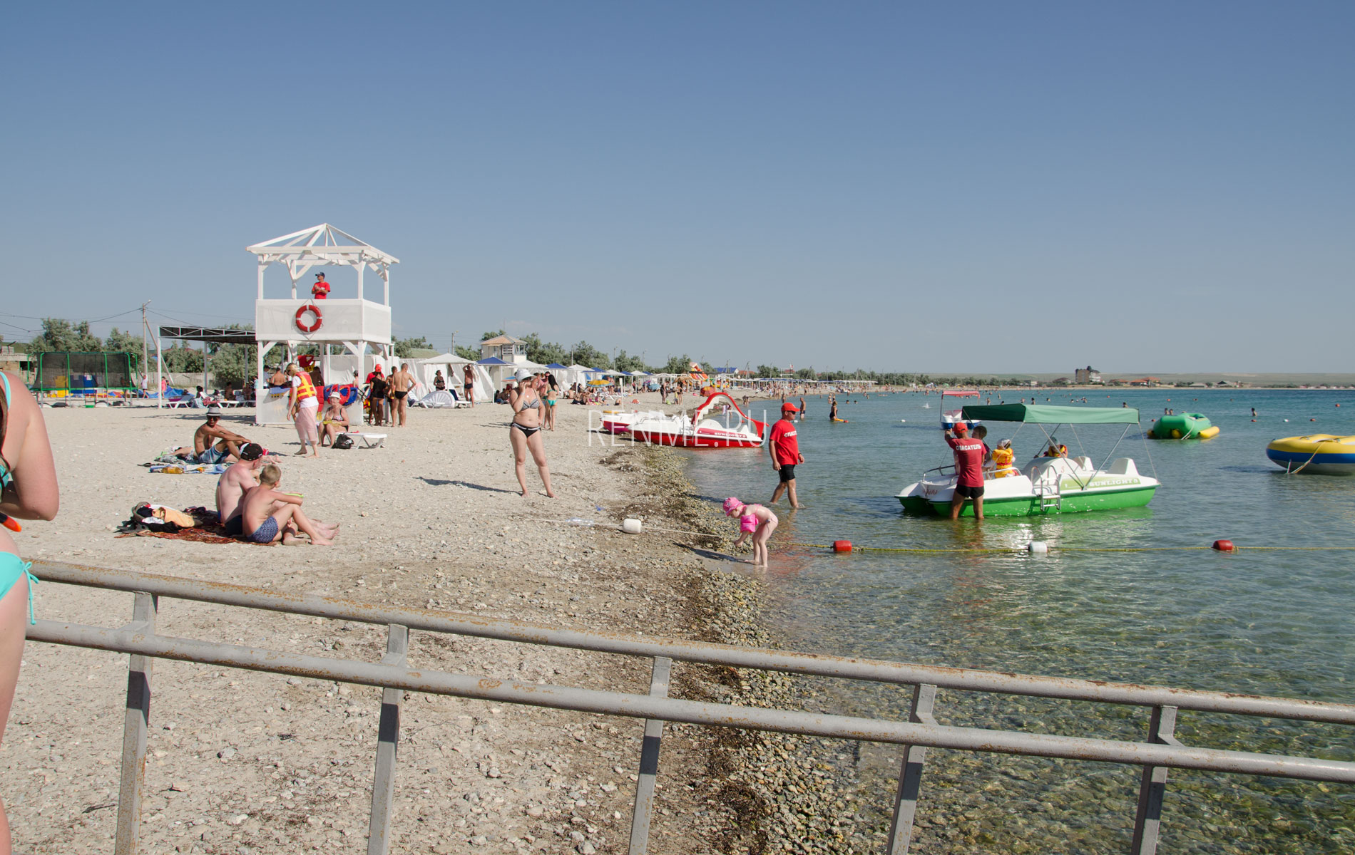 Центральный пляж с пандусом. Фото Межводного