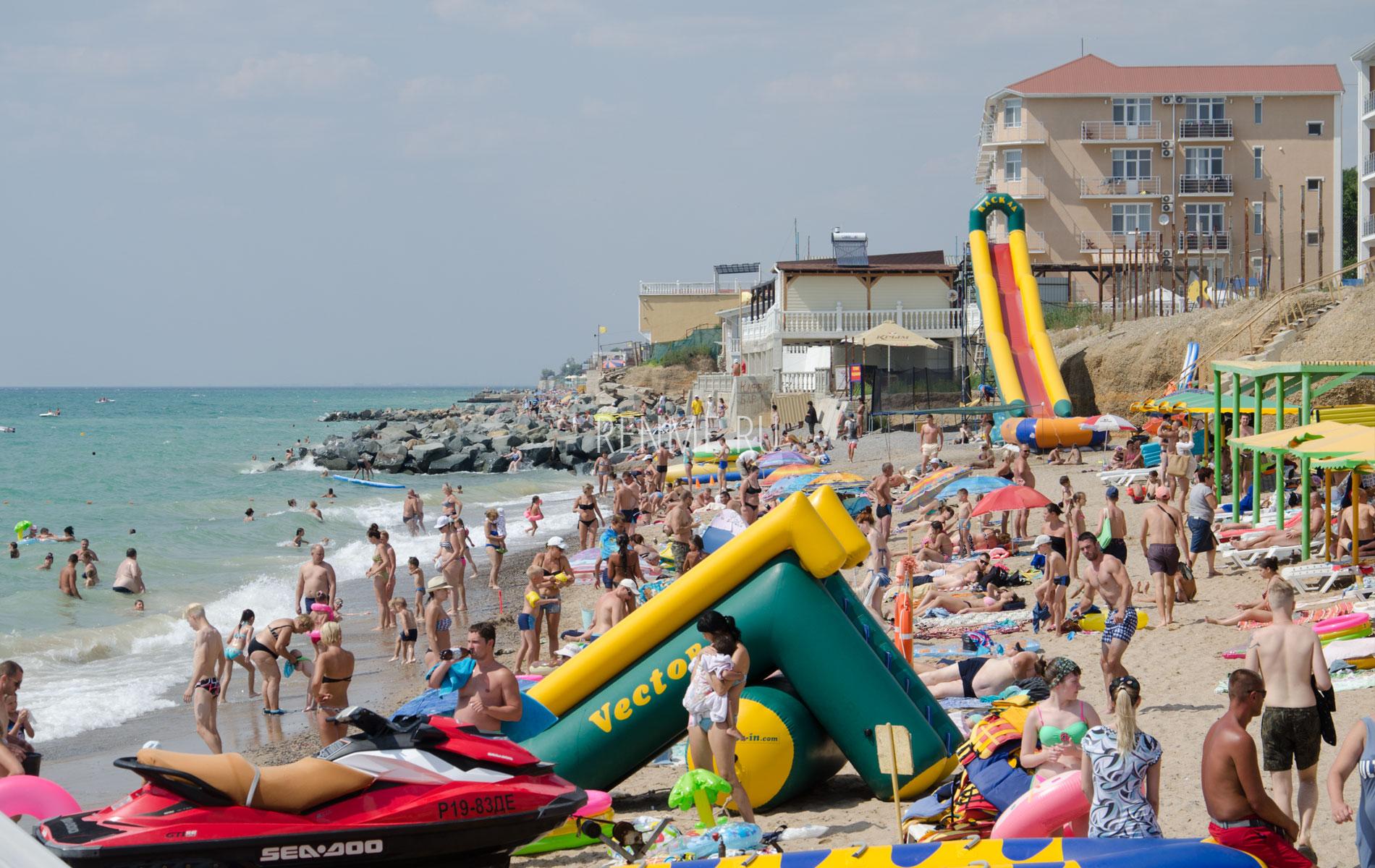 """Пляж """"Горняк"""" в июне. Фото Николаевки"""