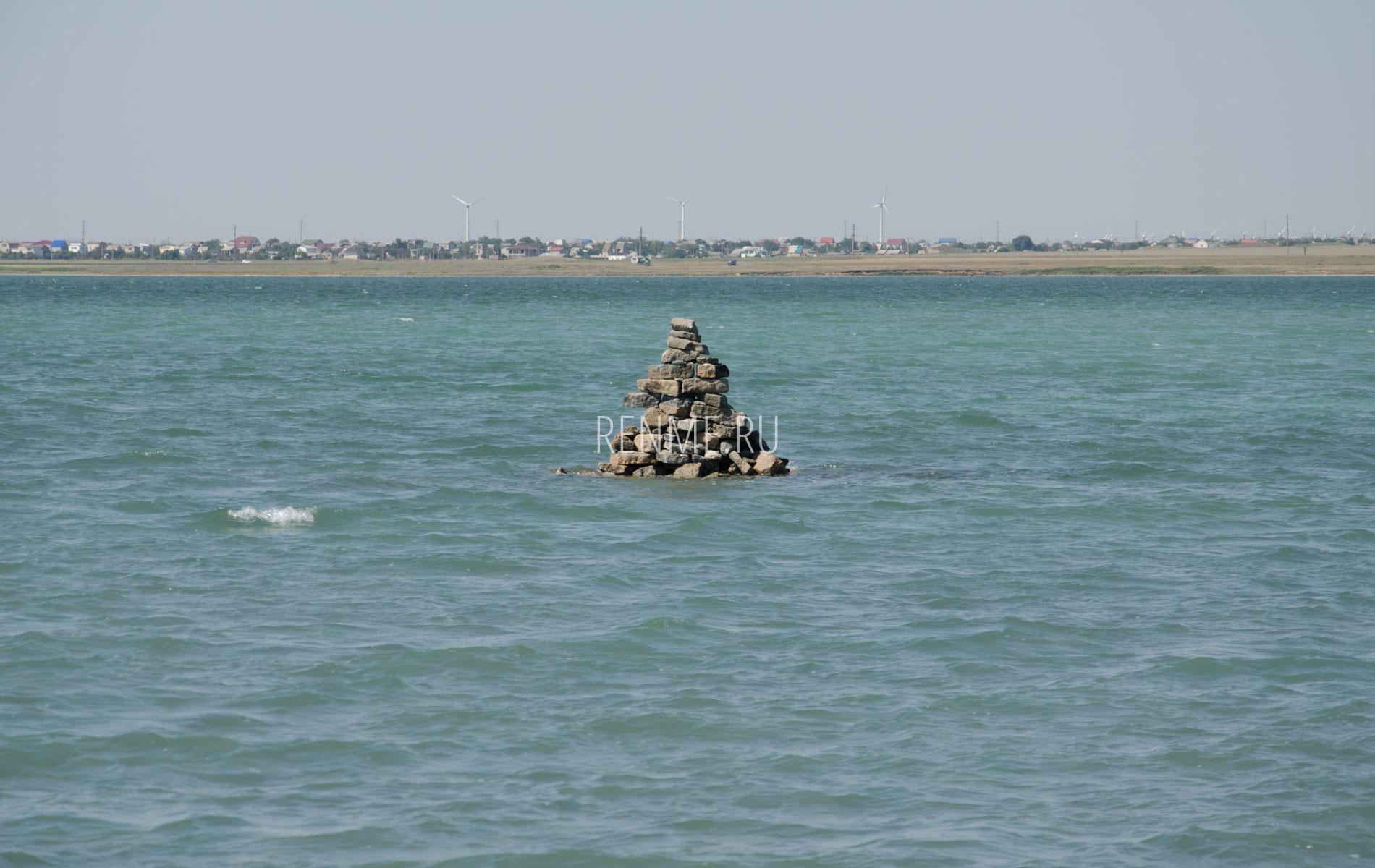 Бакланий остров на озере. Фото Штормового