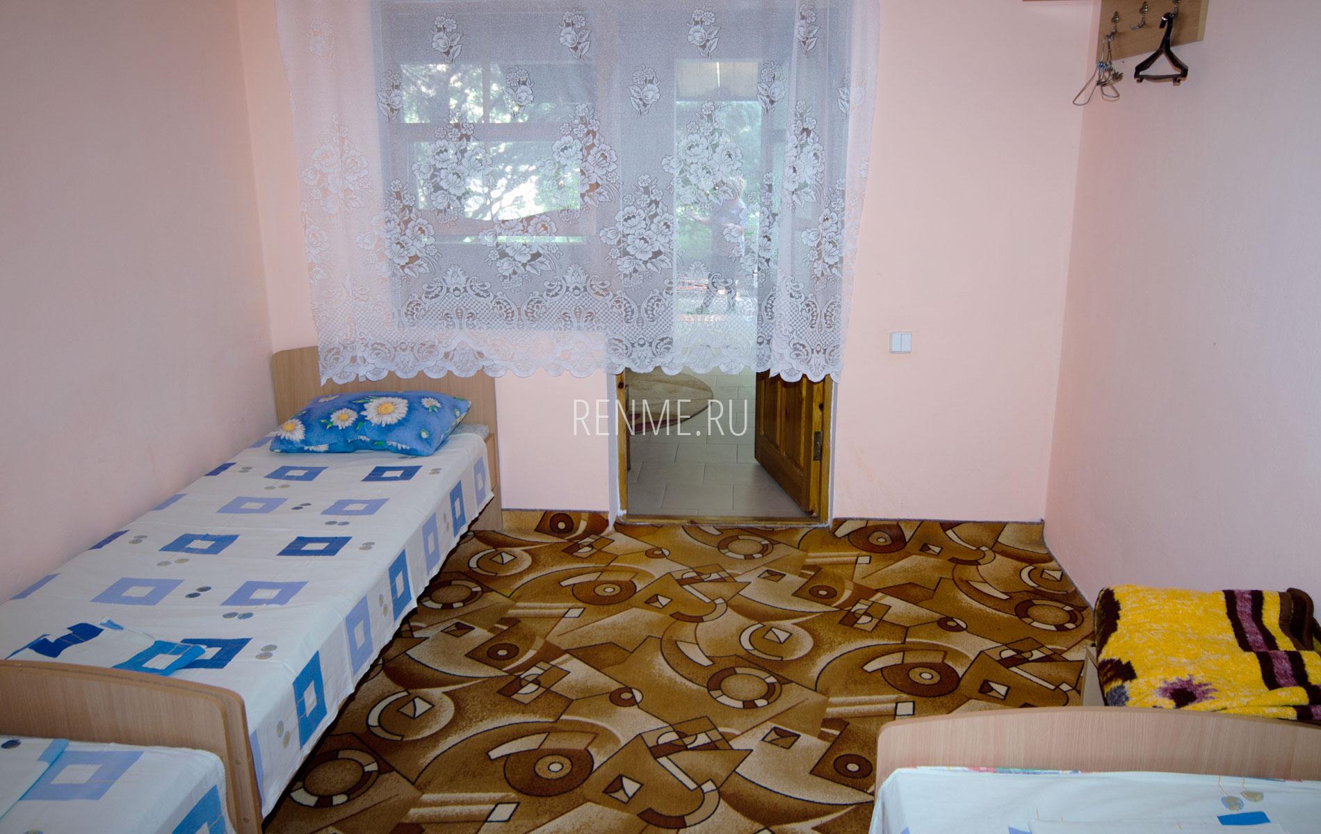 Комната 2. Блок на 6 человек. Гостевой дом на Чкалова. Заозёрное