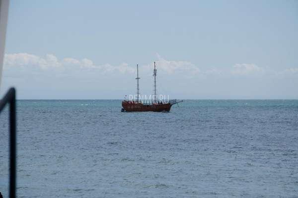 Корабль в Евпатории. Фото Евпатории