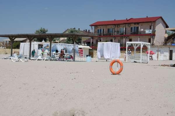 "Песчаный пляж ""Баунти"" в Штормовом. Фото Штормового"