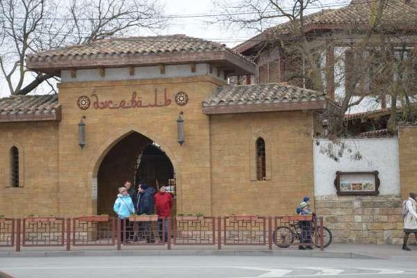 "Ресторан ""Джеваль"" в марте. Фото Евпатории"