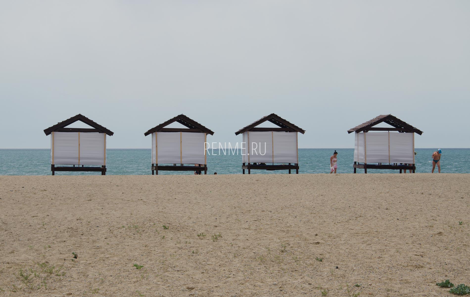 Бунгало на пляже в Крыму. Фото Прибрежного