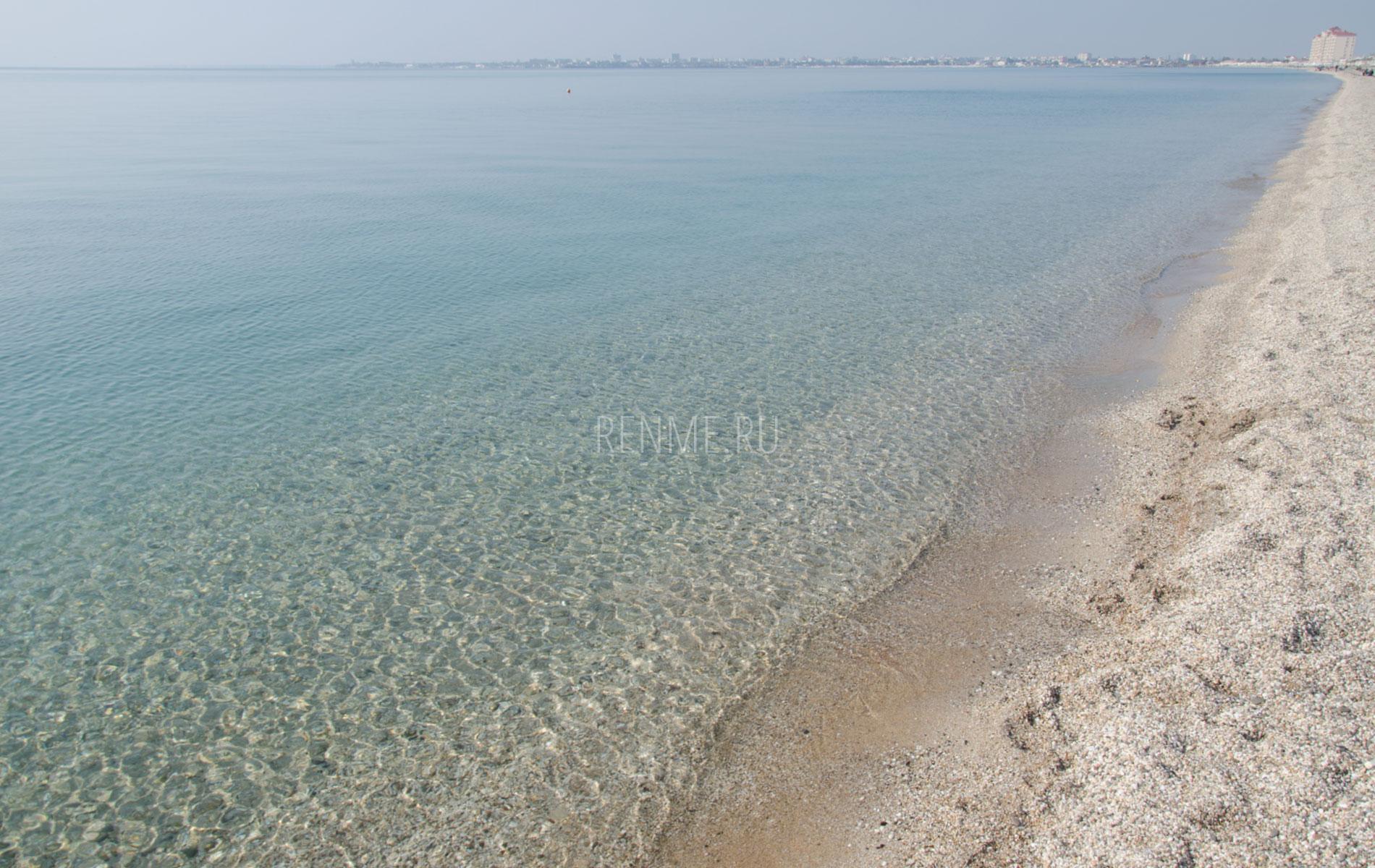 Морская вода в Евпатории. Осенью 2019. Фото Евпатории