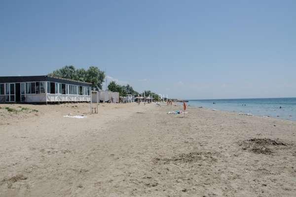 Пляж Мохито ждем гостей. Фото Заозёрного