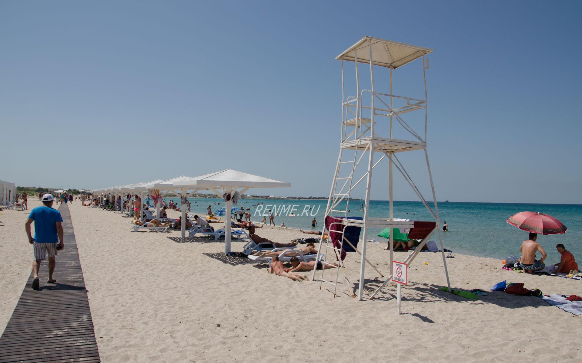 """Песчаный пляж """"Майами"""" в Оленевке. Фото Оленевки"""