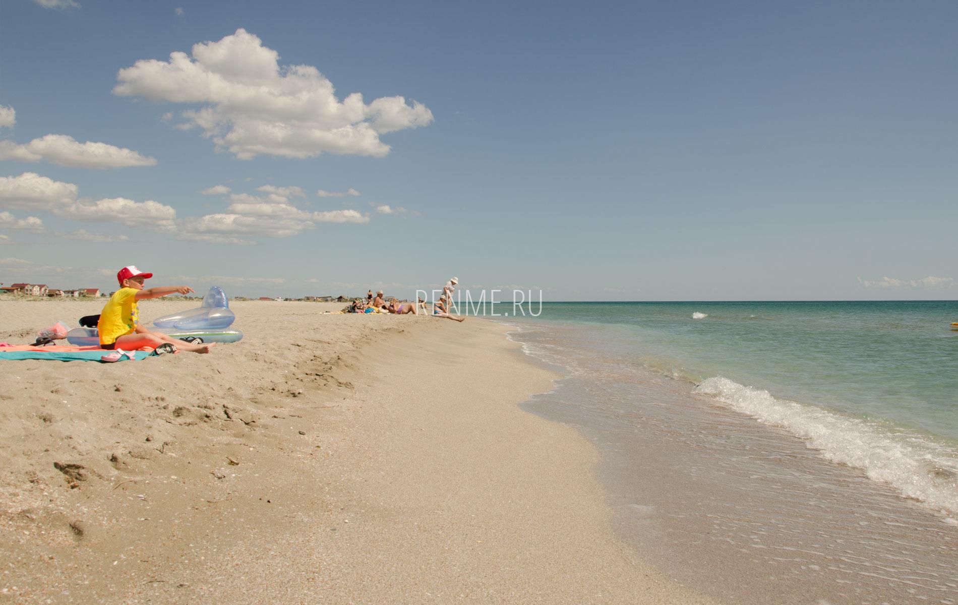 Пляж для детей в Мирном. Фото Мирного