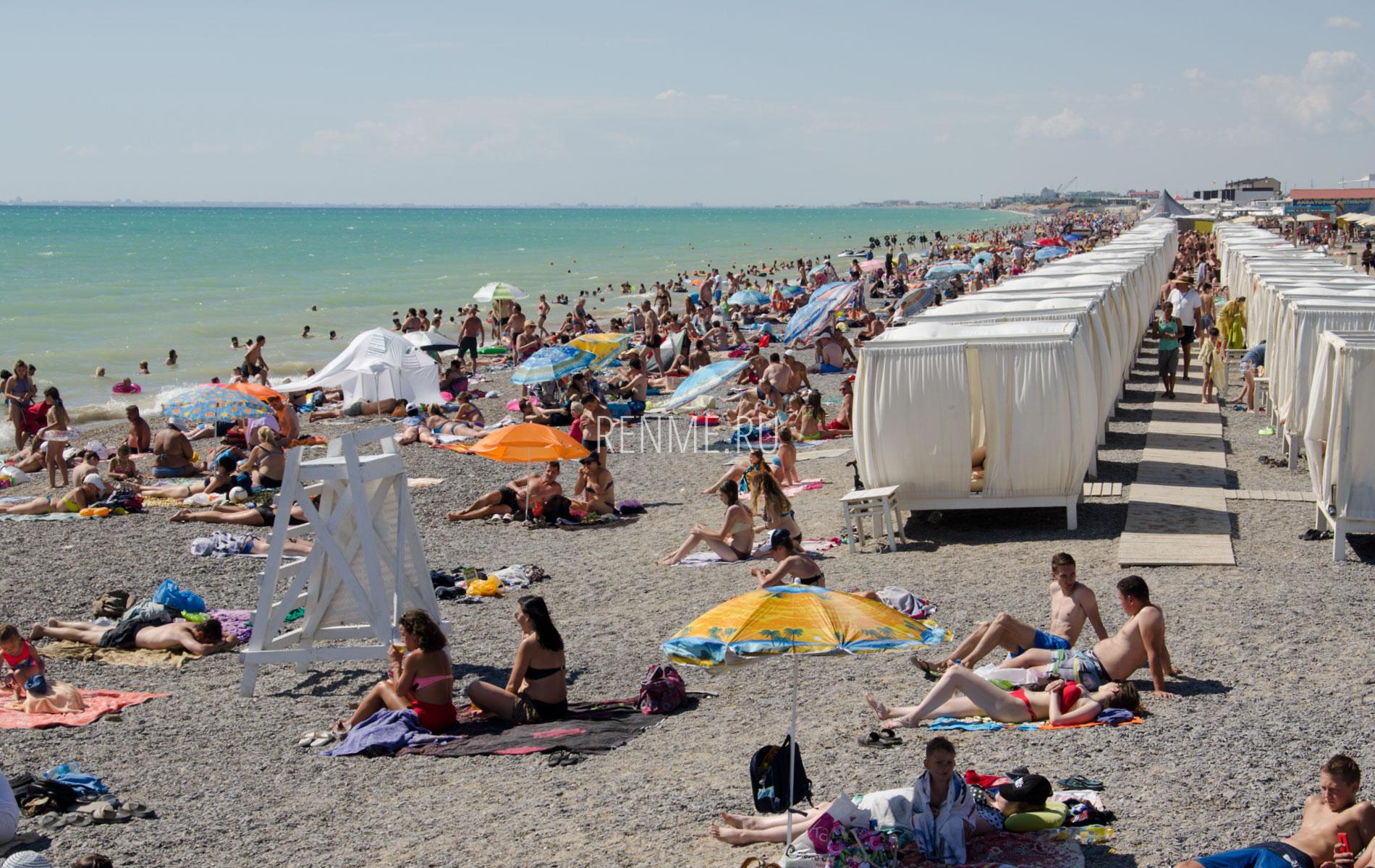 Песчано галечный пляж. Фото Новофедоровки