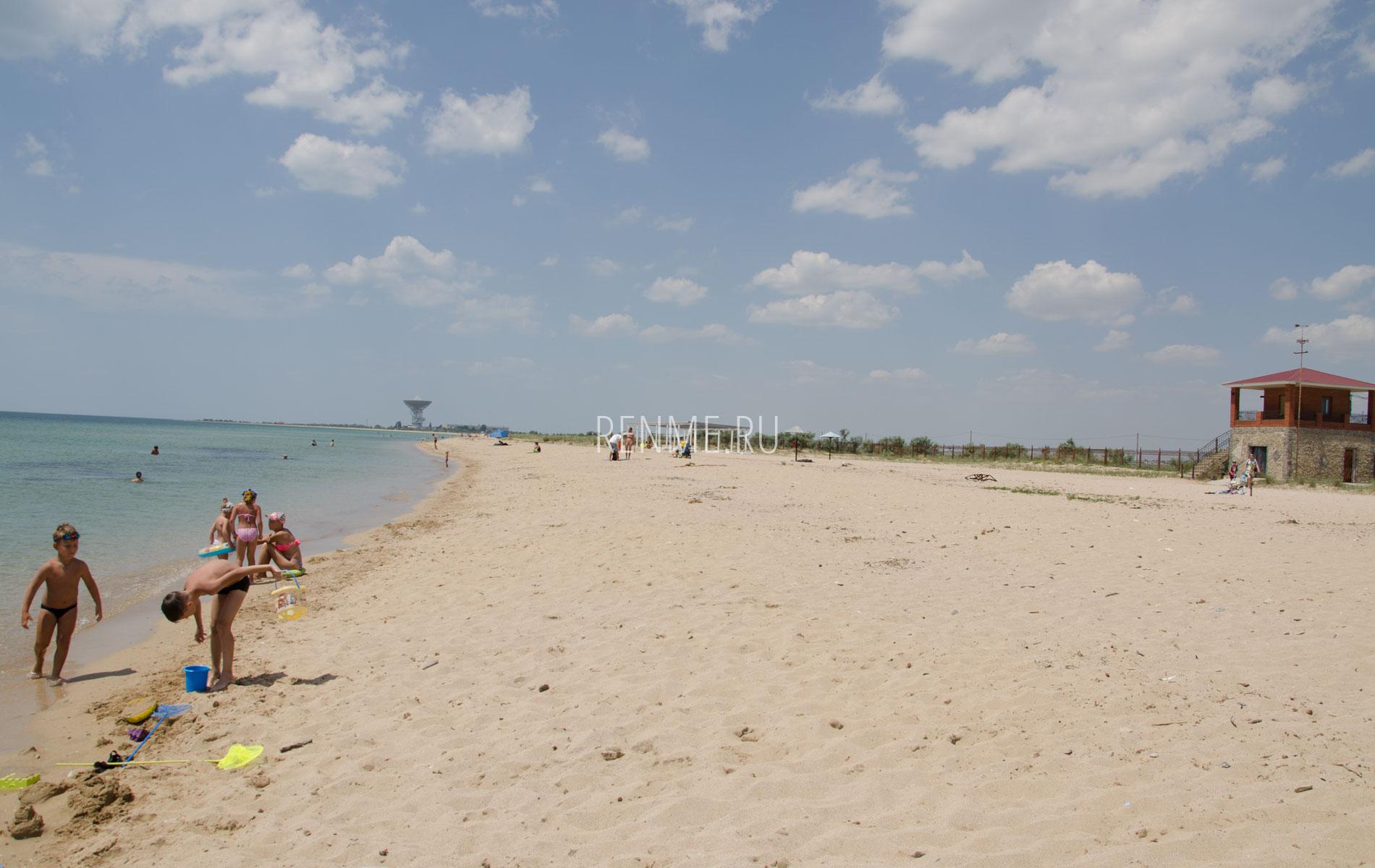 Песчаный пляж в Молочном, летом 2019. Фото Молочного