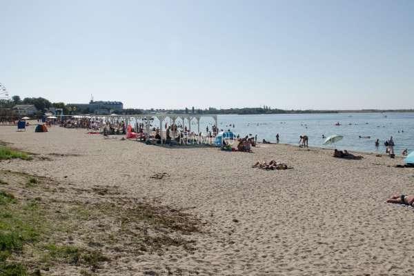 Пляж на ул. Агафонова. Пляжи Черноморского