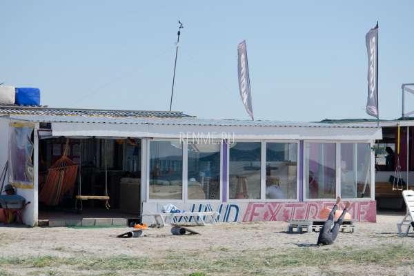 Школа кайтсерфинга в Крыму. Фото Межводного