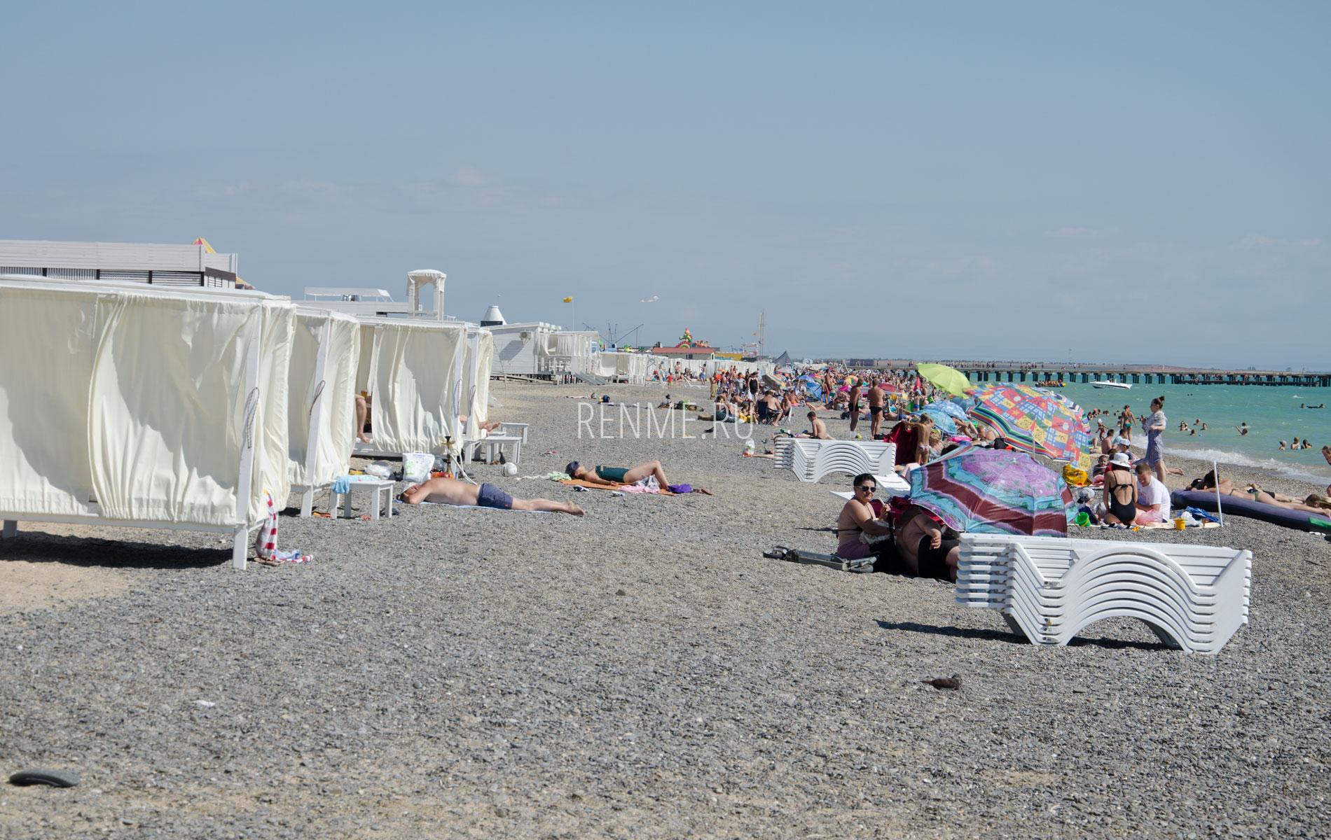 Лучший галечный пляж. Фото Новофедоровки