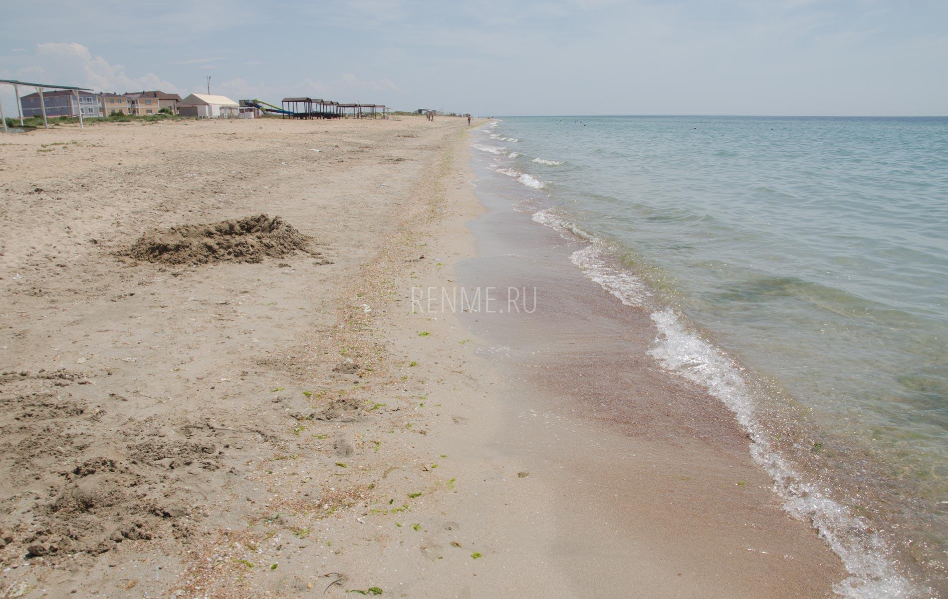 Лучшие песчаные пляжи для детей. Фото Заозёрного