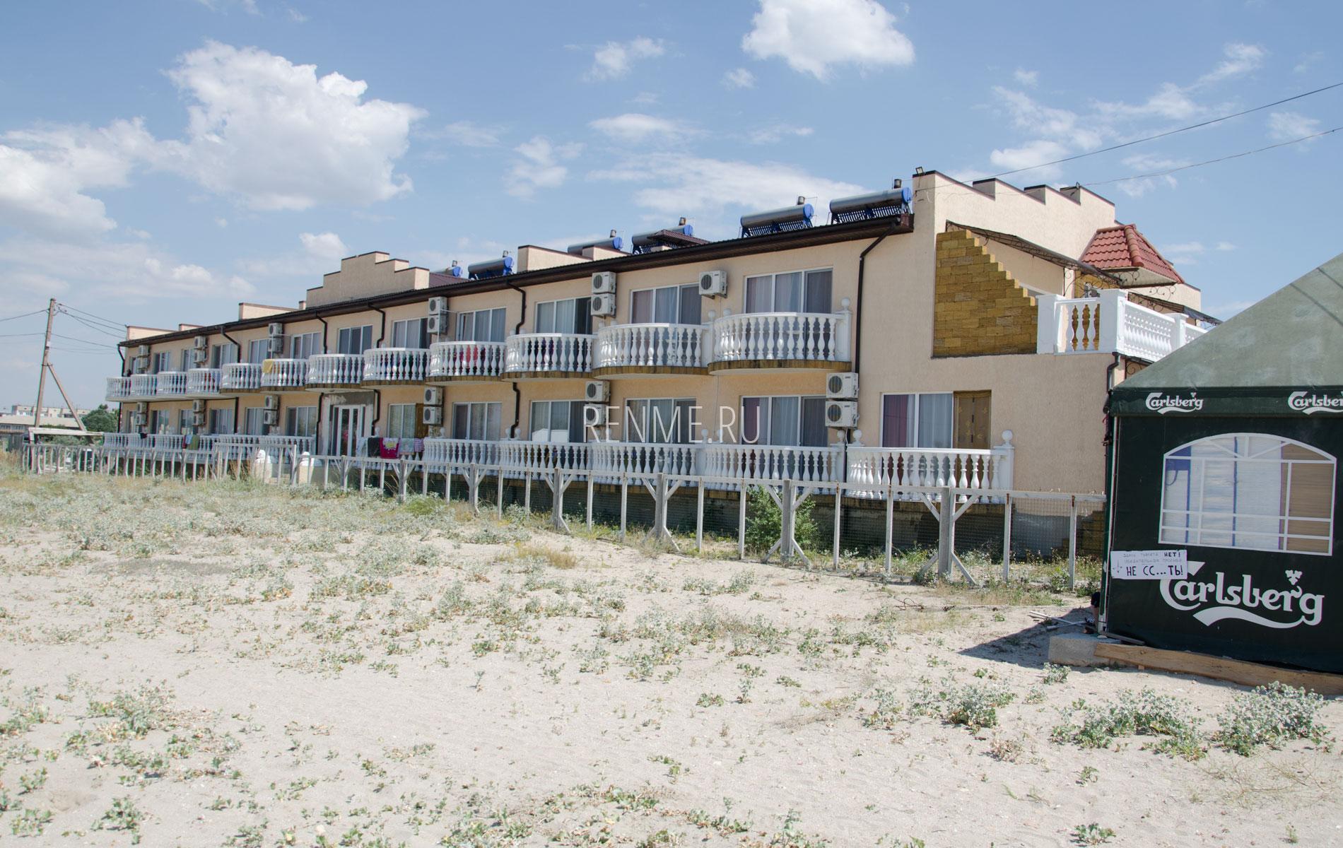 Отель у моря. Фото Штормового