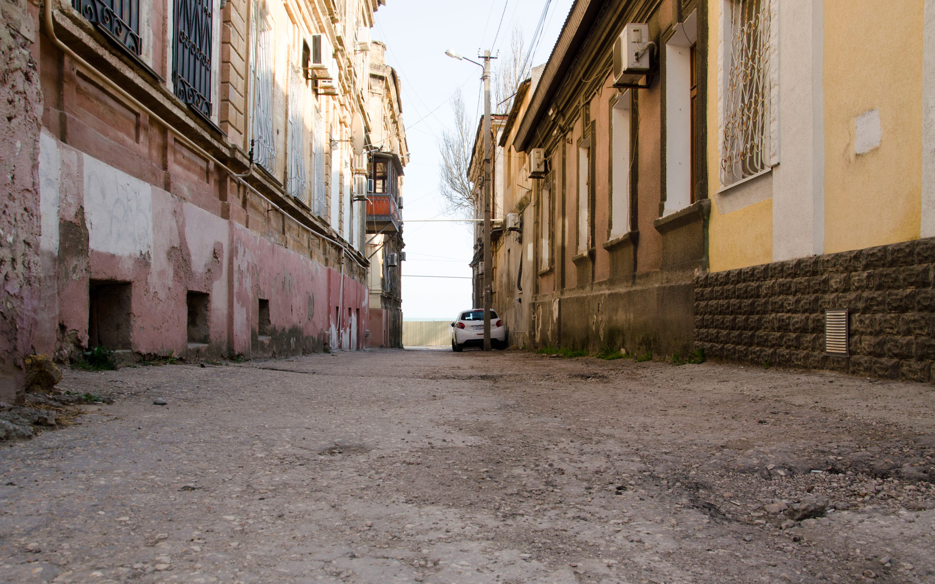 Старый проулок в марте. Фото Евпатории