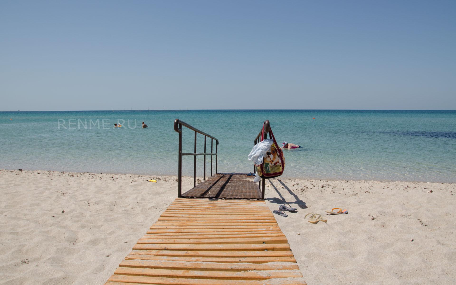Море где лучший пляж в Крыму. Фото Оленевки